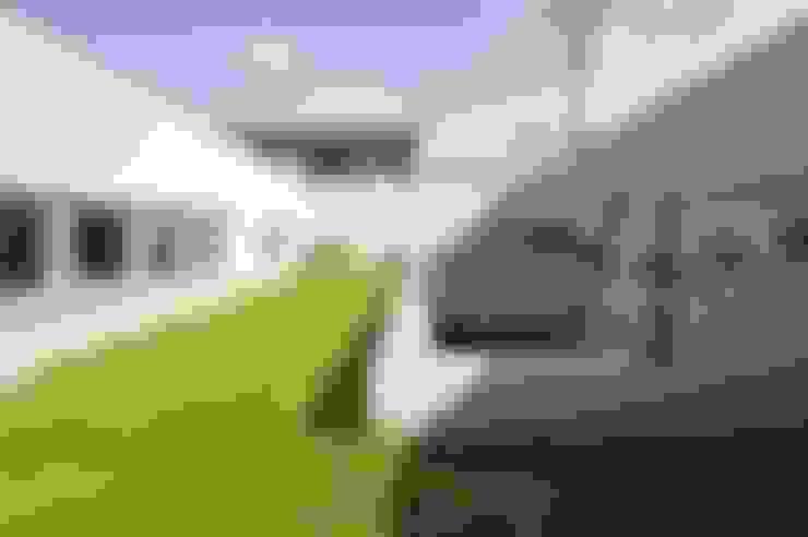 Terrace by 久安典之建築研究所