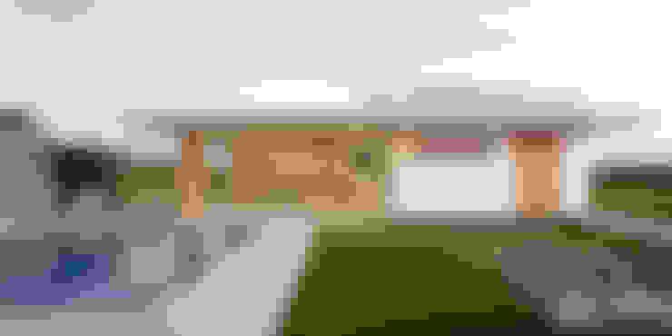 ПРОЕКТ ЧАСТНОГО ДОМА В ХАРЬКОВЕ «УЛИЦА 77»: Дома в . Автор – IK-architects