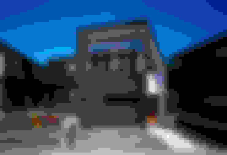 向原の家: 向山建築設計事務所が手掛けた家です。