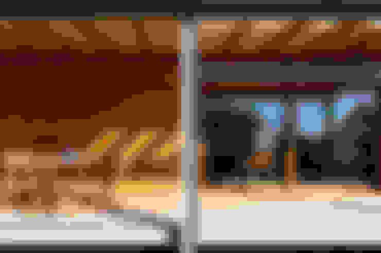 Terrazas  de estilo  por Novello Case in Legno