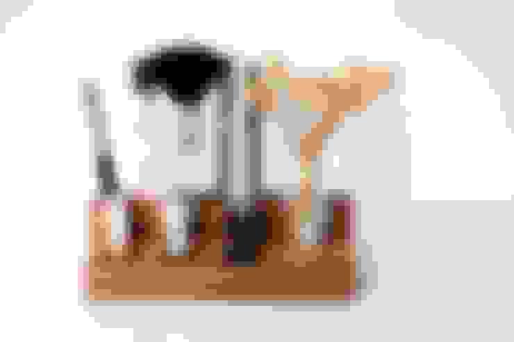 2-stufiger Kosmetikständer aus Nussbaum:  Badezimmer von Blumen-wiese