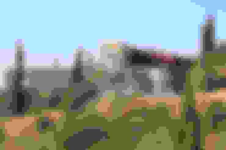 Casa Madeira: Casas  por Riscos & Atitudes, Lda