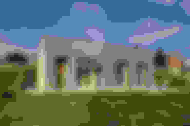 Casas de estilo  por b-House
