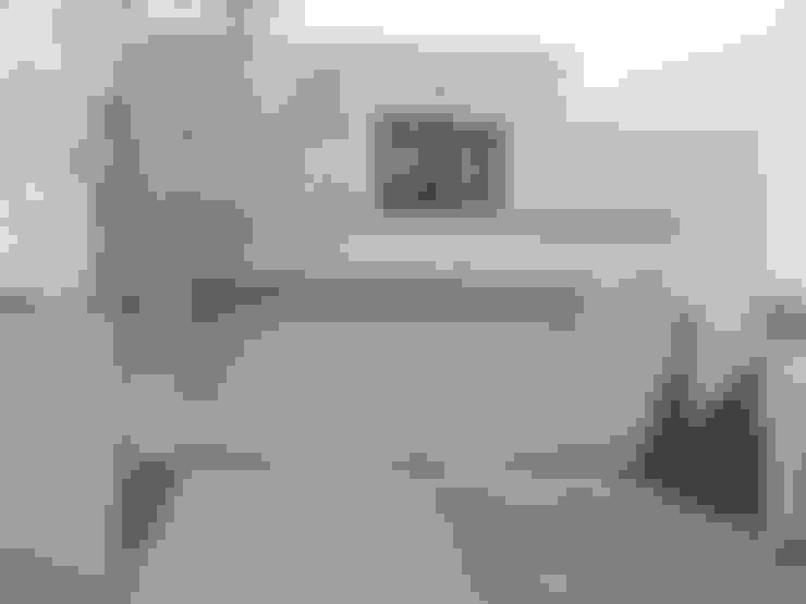 Garage/Rimessa in stile  di ŁUKASZ ŁADZIŃSKI ARCHITEKT