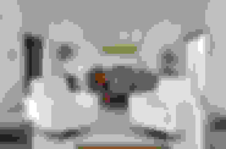 Salas / recibidores de estilo  por OBRA BLANCA