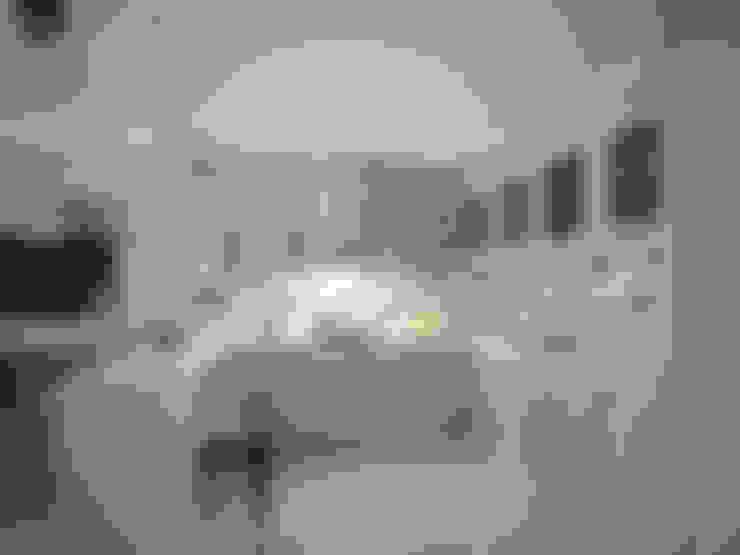Современная классика / Двухкомнатная квартира в Казани по ул. Восстания: Кухни в . Автор – Decor&Design