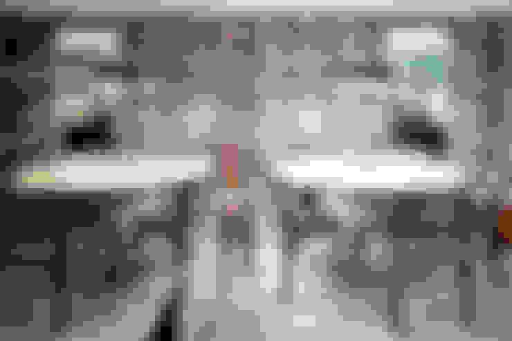 Apartamento Porto: Salas de jantar  por Jorge Cassio Dantas Lda