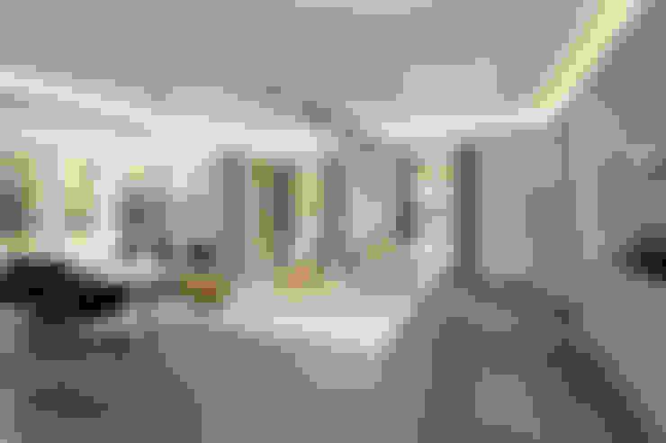 Kitchen by Van Hoogevest Architecten