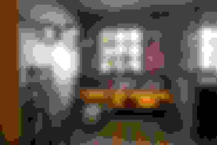Badalona Home Design: Baños de estilo  de CONTRACT SOLUTIONS