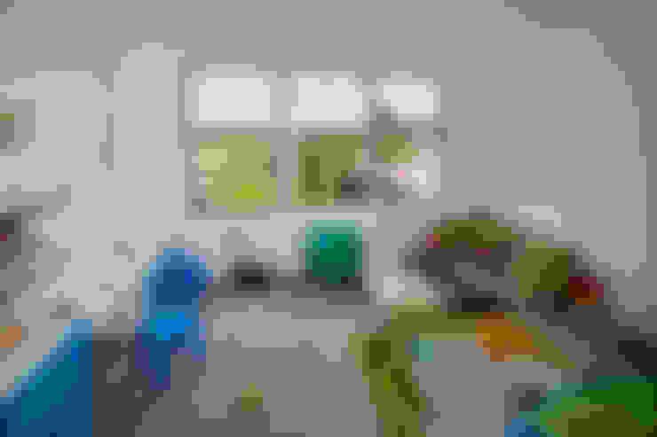 hilzinger GmbH - Fenster + Türen:  tarz Çocuk Odası