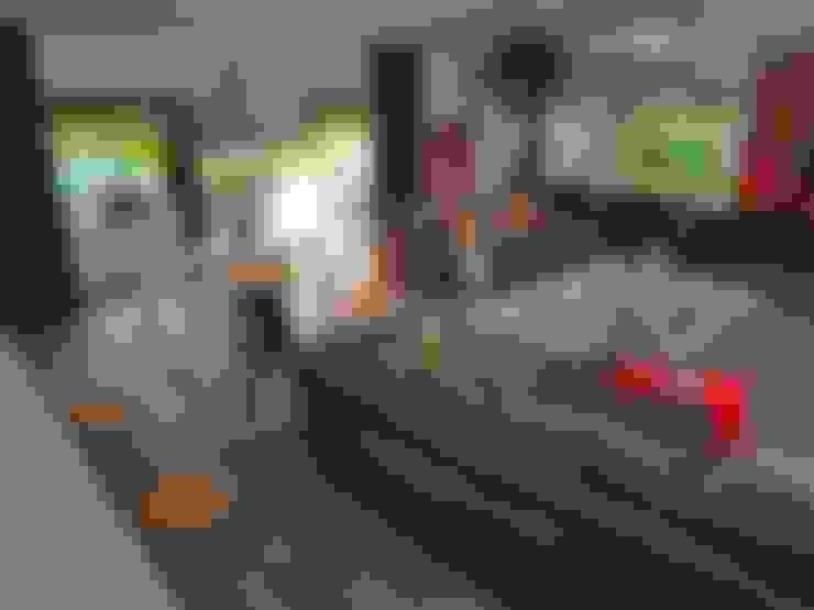Living room by stando interior design