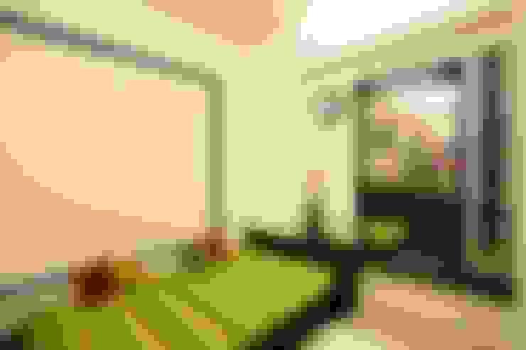 2BHK Residence:  Bathroom by INTERIOR WORKS