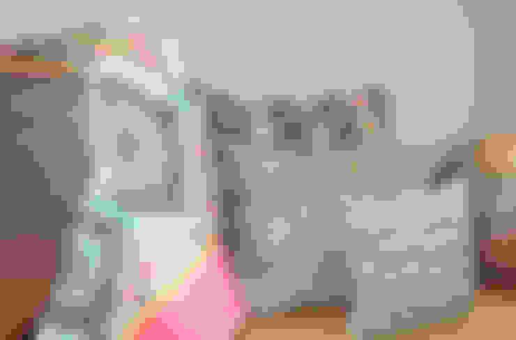 Almohadones y mantel : Dormitorios de estilo  por b-home