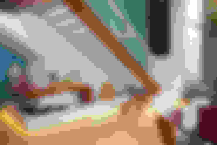 Pasillos y vestíbulos de estilo  por 360arquitetura