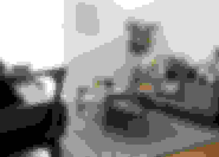 センターテーブル&テレビボードスタイリング: Sisustaが手掛けたリビングルームです。