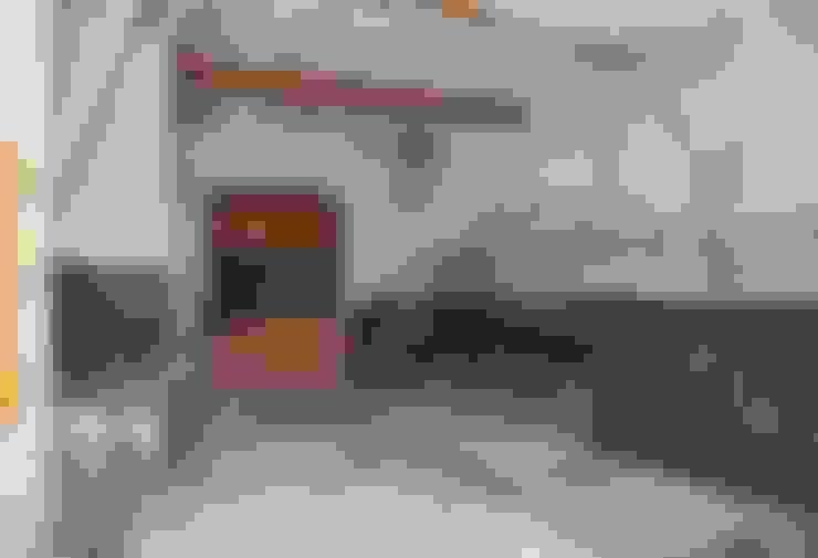 Garajes y galpones de estilo  por lluiscorbellajordi