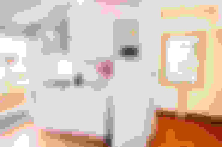 مطبخ تنفيذ Loredana Vingelli Home Decor