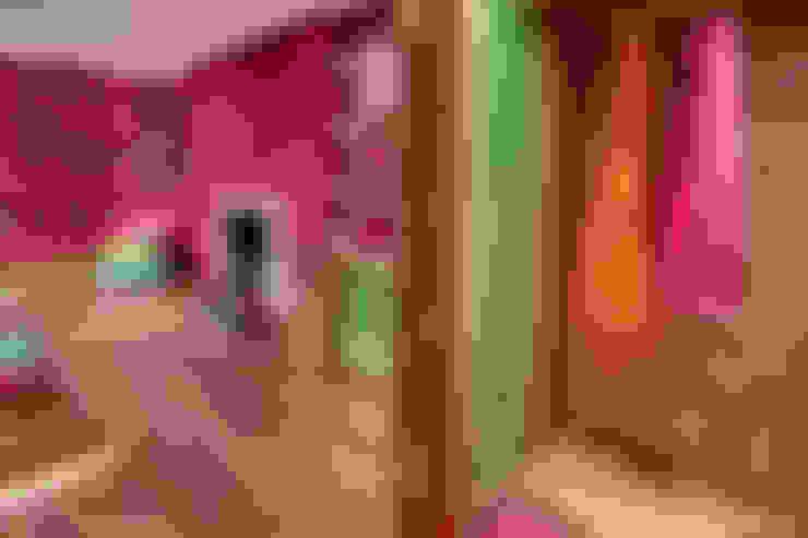 Habitaciones de estilo  por Rebecca James Studio