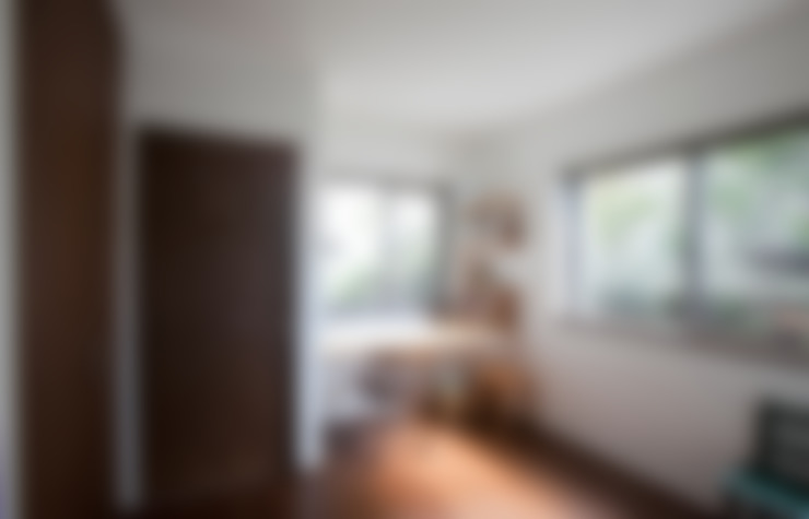 南郷の家: 株式会社 atelier waonが手掛けた寝室です。