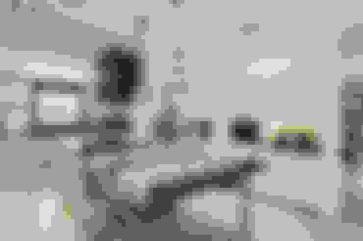 مطبخ تنفيذ Laura Yerpes Estudio de Interiorismo