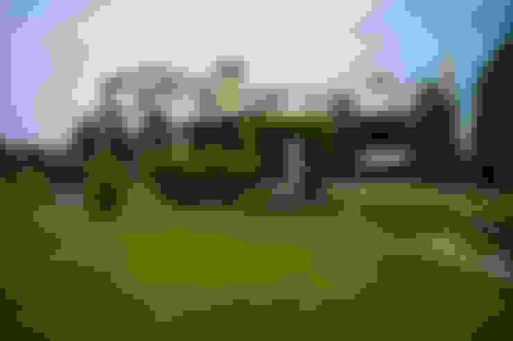 Дом с водопадом: Дома в . Автор – Ал