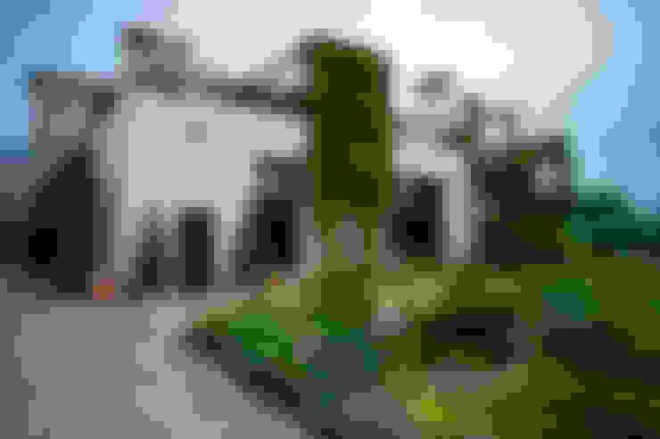 Casas de estilo  de Ал