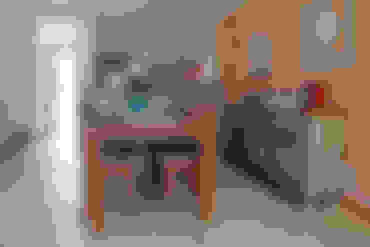 Casa Simples e Confortável: Salas de jantar  por RAC ARQUITETURA