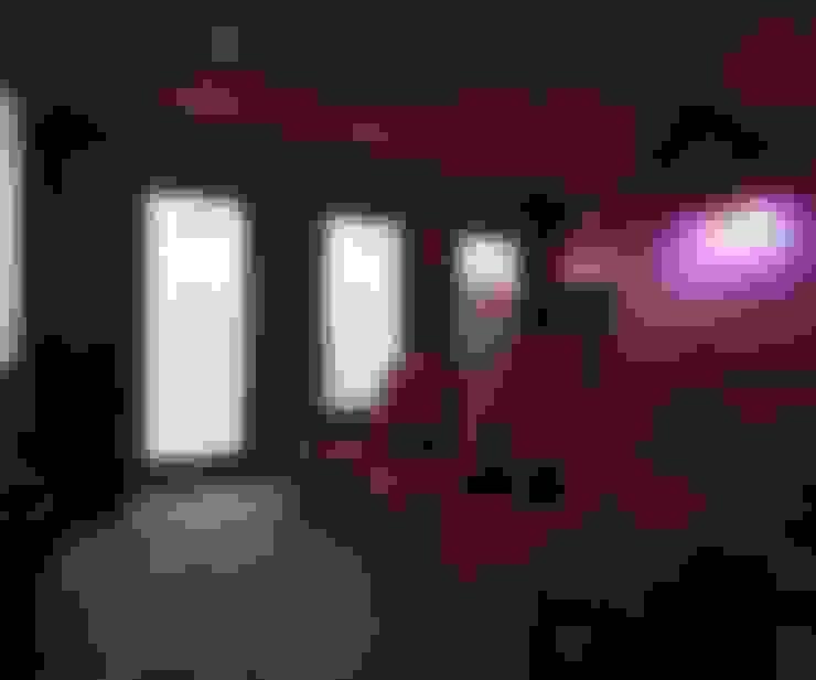 Коттедж Новая рига, 1000 кв.м : Медиа комнаты в . Автор – ELLE DESIGN STUDIO