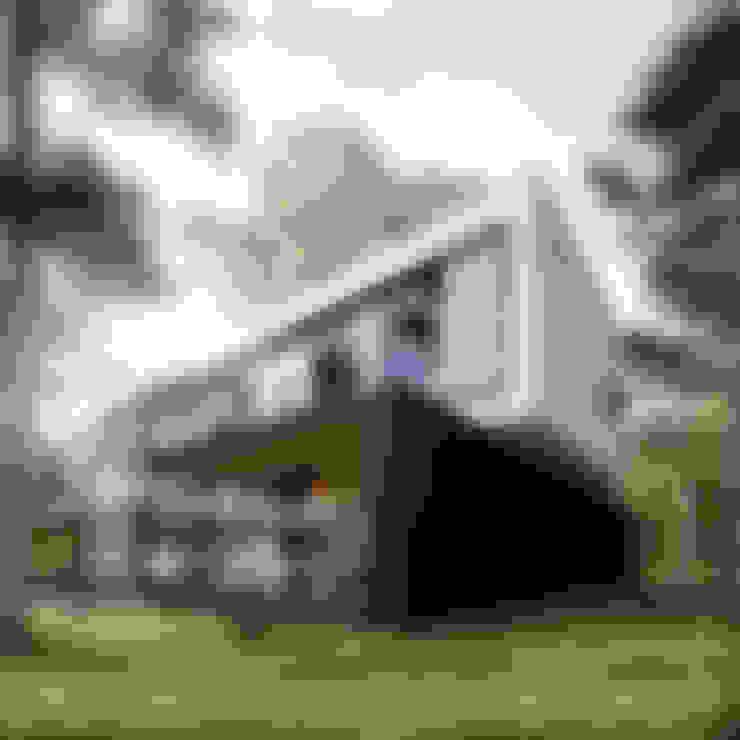 Casas de estilo  por Z3Z ARCHITEKCI