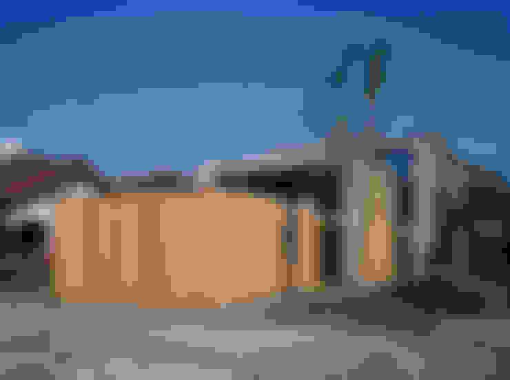 下小鳥の家: 桐山和広建築設計事務所が手掛けた家です。