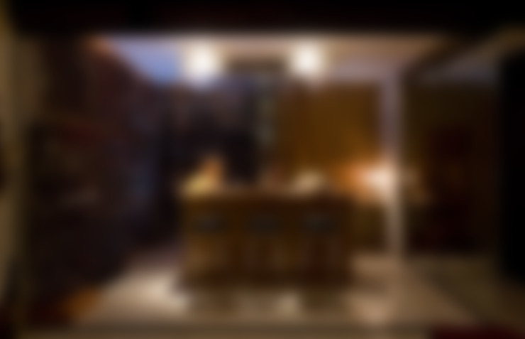 Apartamento AD: Adegas  por Isabela Canaan Arquitetos e Associados
