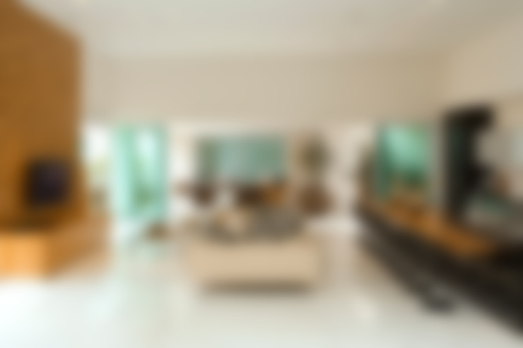 Casa Belvedere: Salas de estar  por Márcia Carvalhaes Arquitetura LTDA.