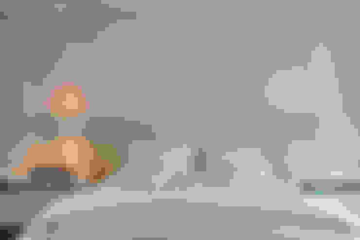 غرفة نوم تنفيذ Márcia Carvalhaes Arquitetura LTDA.
