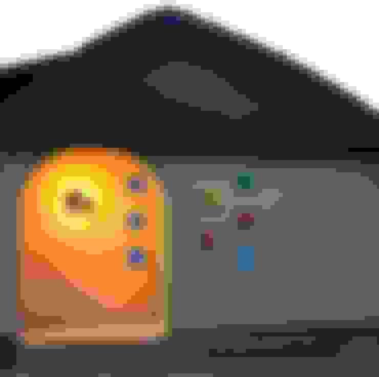 LED照明入ガラスブロック: (有)岳建築設計が手掛けた家です。