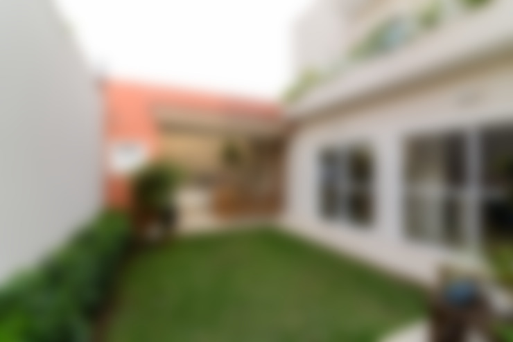 Residência Jardim Avelino: Jardins  por LAM Arquitetura | Interiores