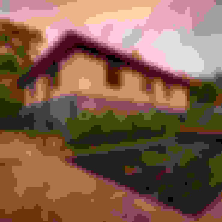 Casas de estilo  por TAAR / TALLER DE ARQUITECTURA DE ALTO RENDIMIENTO
