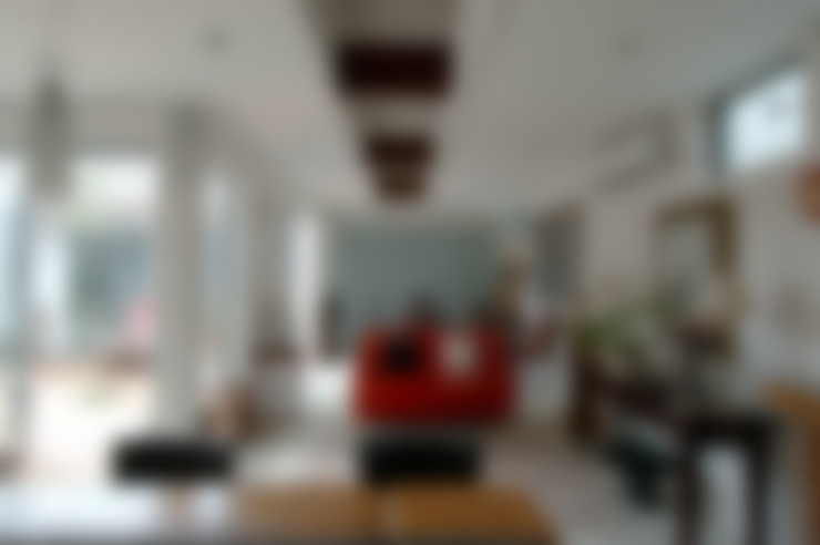 Living room by スタジオ・ベルナ