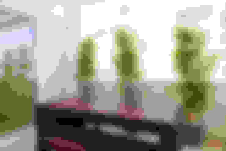 بلكونة أو شرفة تنفيذ Traço Magenta - Design de Interiores
