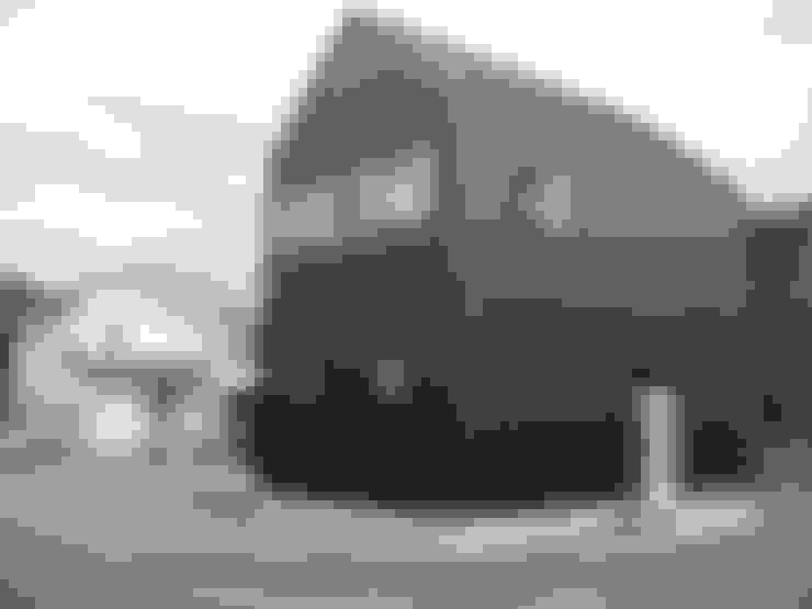 Casas de estilo  por 福井建築設計室