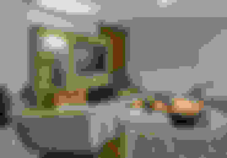 Living room by Isabela Canaan Arquitetos e Associados