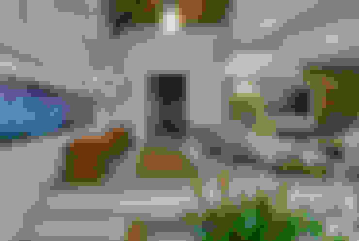 Salas / recibidores de estilo  por Isabela Canaan Arquitetos e Associados