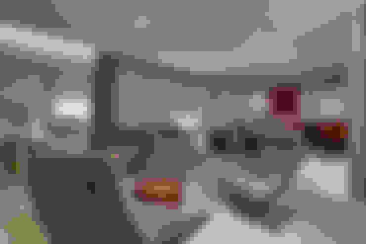 Apartamento ME: Salas de estar  por Isabela Canaan Arquitetos e Associados
