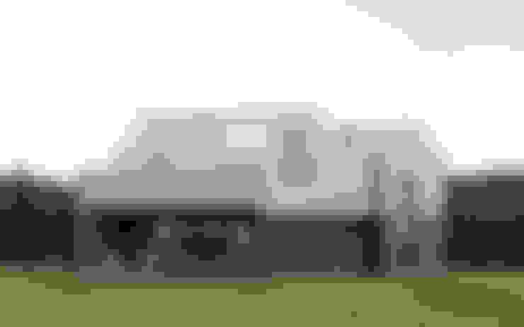 Casas prefabricadas de estilo  de INT2architecture