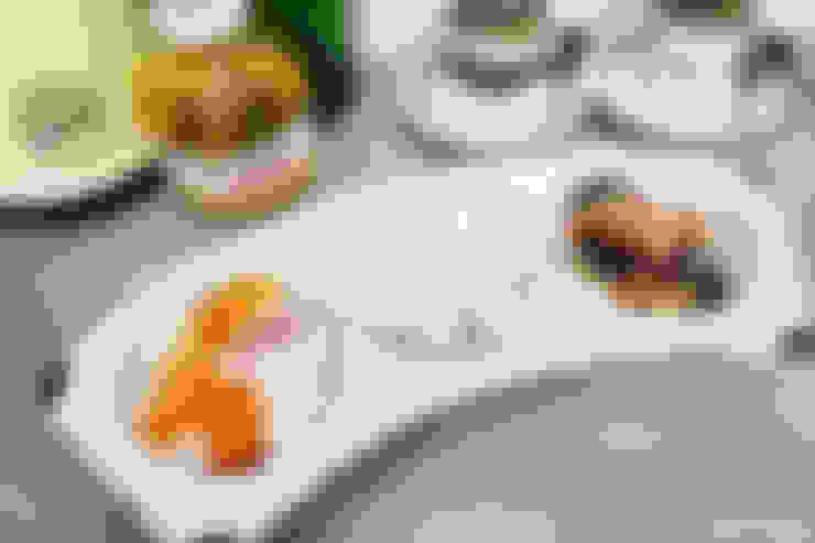 블랙 3구 플레이트: 그릇이좋아 의  주방