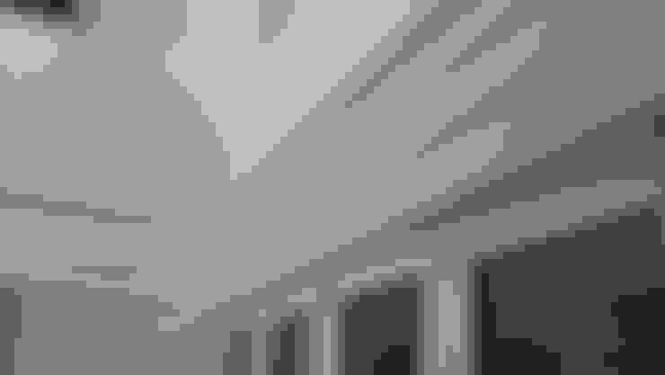 Ventanas de PVC de estilo  por Ahumada Construcciones y Rehabilitación S.L