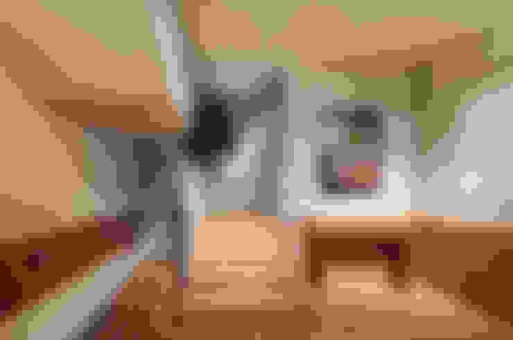 Koridor dan lorong by Strakx associates