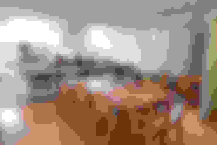 Sala de jantar integrada à Cozinha: Salas de jantar  por MONICA SPADA DURANTE ARQUITETURA