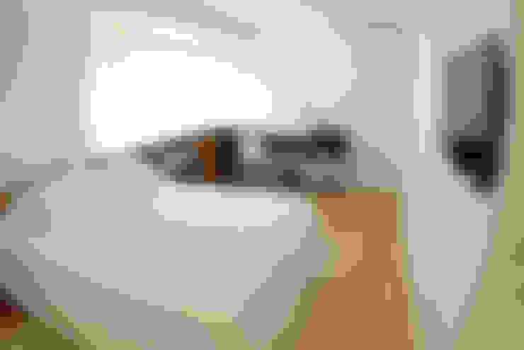 Dormitorio Suite Master 1: Quartos  por MONICA SPADA DURANTE ARQUITETURA