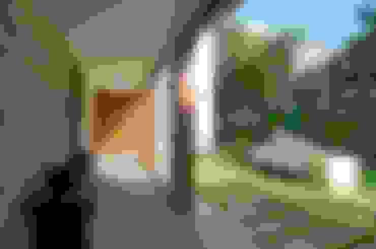 AA Villa:  Houses by Atelier Design N Domain