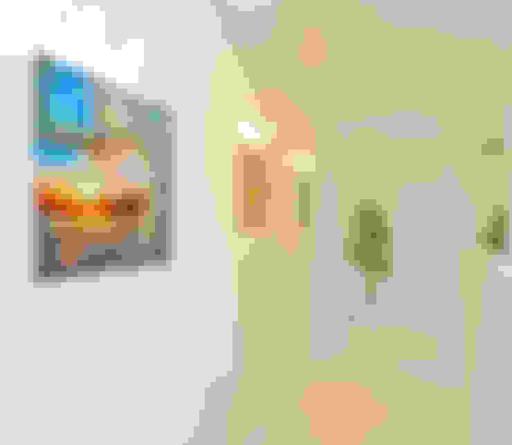 Corridor & hallway by Hunter design